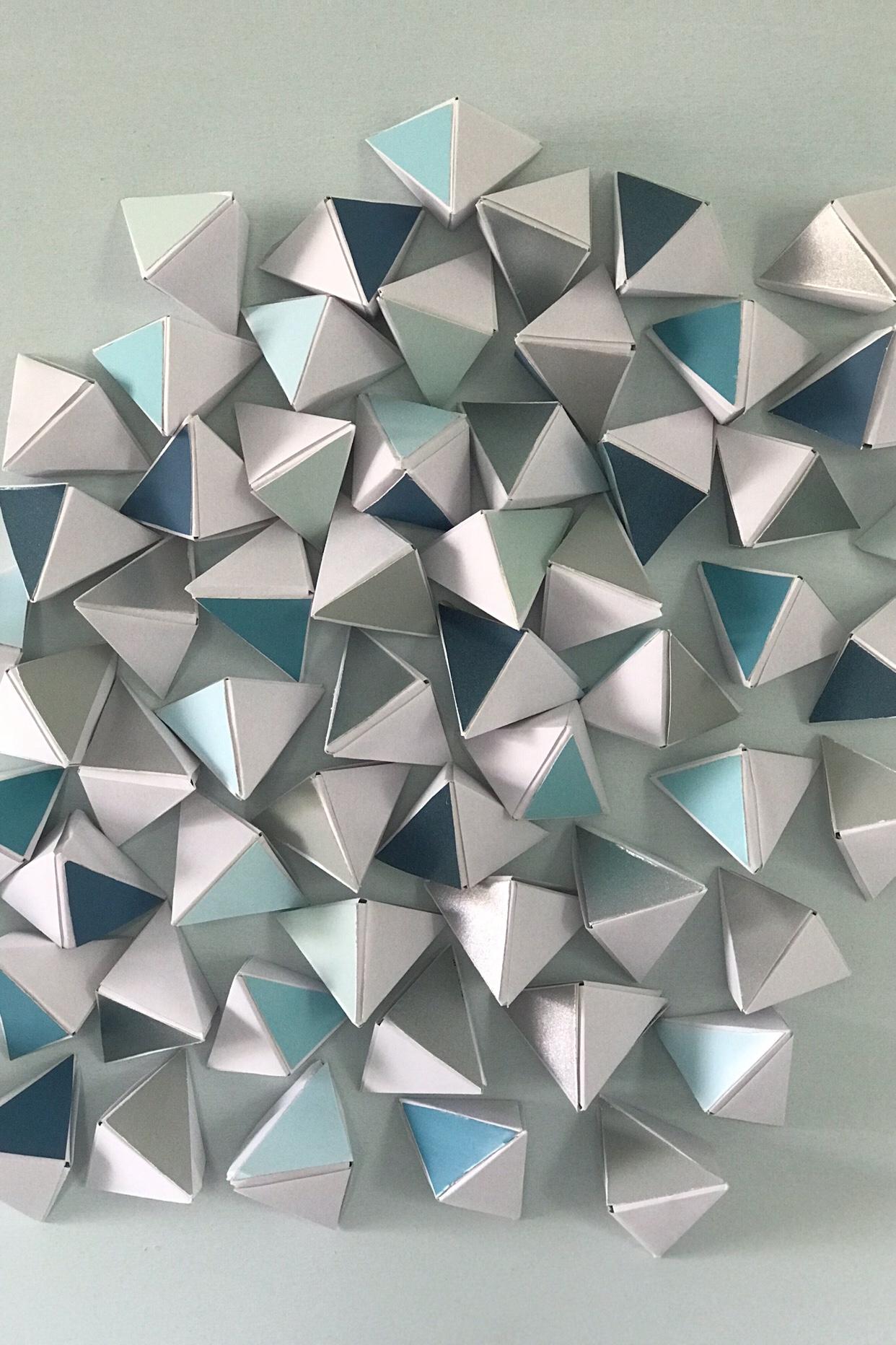 Eiswürfel aus Papier