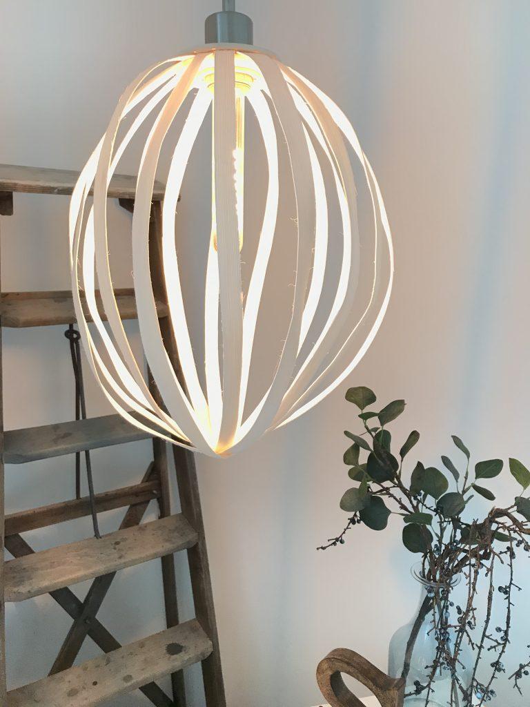 DIY: Rattanholz-Lampe