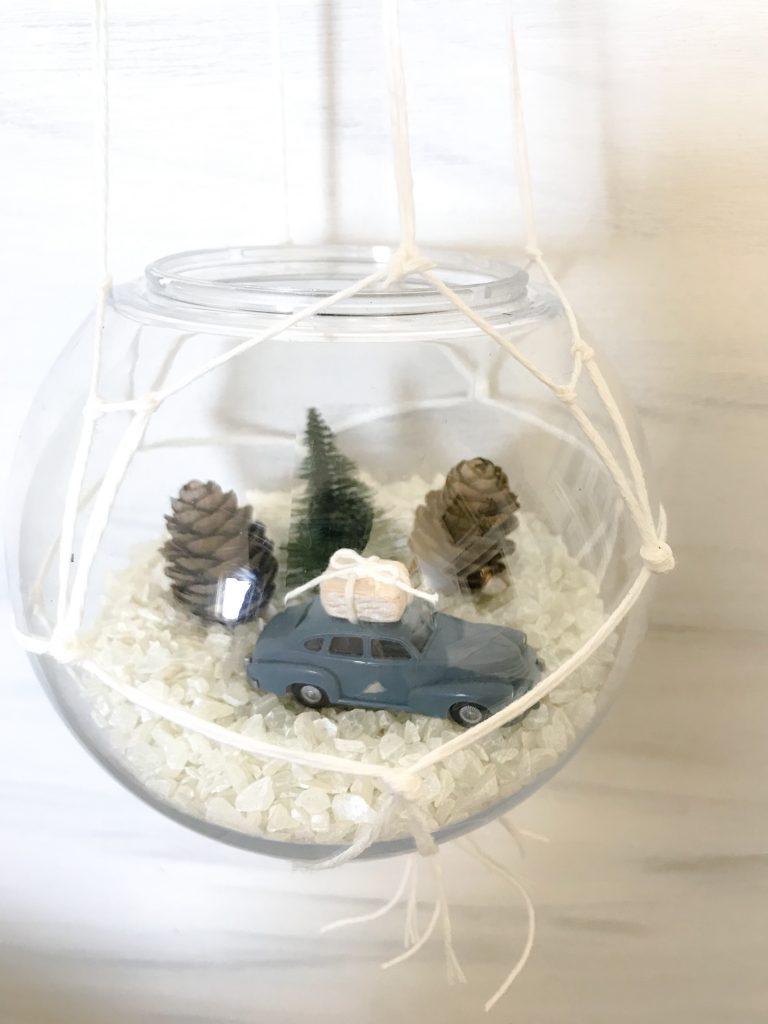Upcycling: Glühbirne als hängende Dekokgel