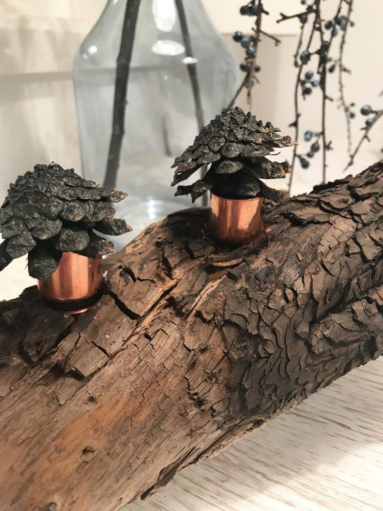Treibholz als Tischdeko mit Fake Sukkulenten