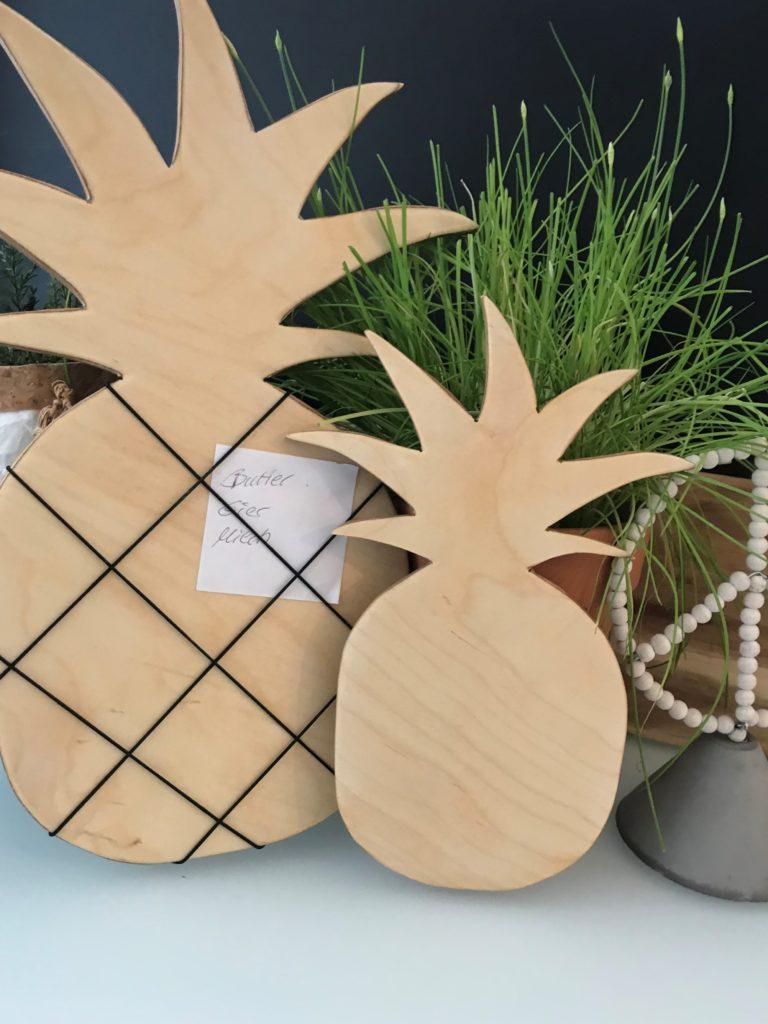 Chalet8, DIY Blog, Bastelanleitung, Basteln mit Holz, Ananas, Holzbrett, Notizbrett, Küchendeko, Sommer, Deko, DIY, Fruchtig, Sommerfrucht, Pineapple, #Chalet8, #Ananas