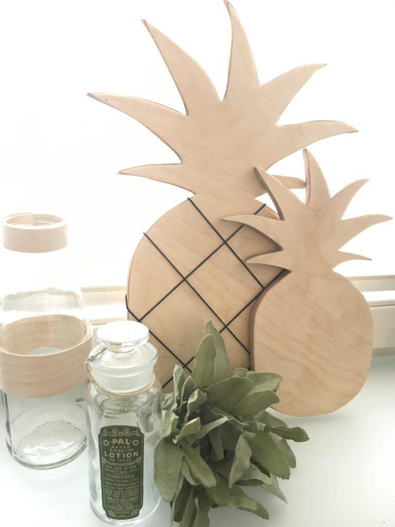 Chalet8, DIY Blog, Bastelanleitung, Basteln mit Holz, Ananas, Holzbrett, Memoboard, Notizbrett, Küchendeko, Sommer, Sommerdeko, Deko, DIY, Fruchtig, Sommerfrucht, Pineapple, #Chalet8, #Ananas