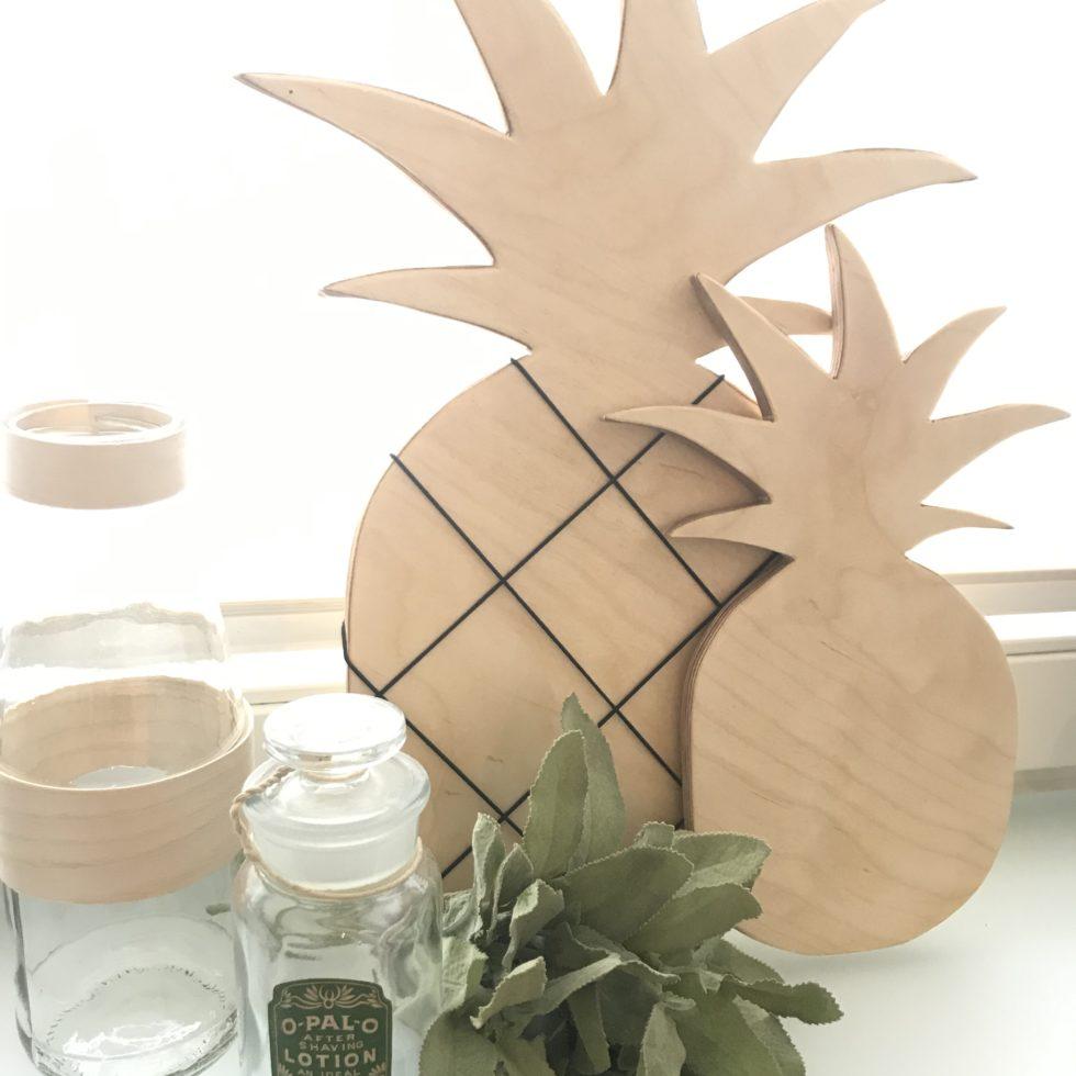 Chalet8, DIY Blog, Bastelanleitung, Basteln mit Holz, Ananas, Holzbrett, Notizbrett, Küchendeko, Sommer, Sommerdeko, Deko, DIY, Fruchtig, Sommerfrucht, Pineapple, #Chalet8, #Ananas