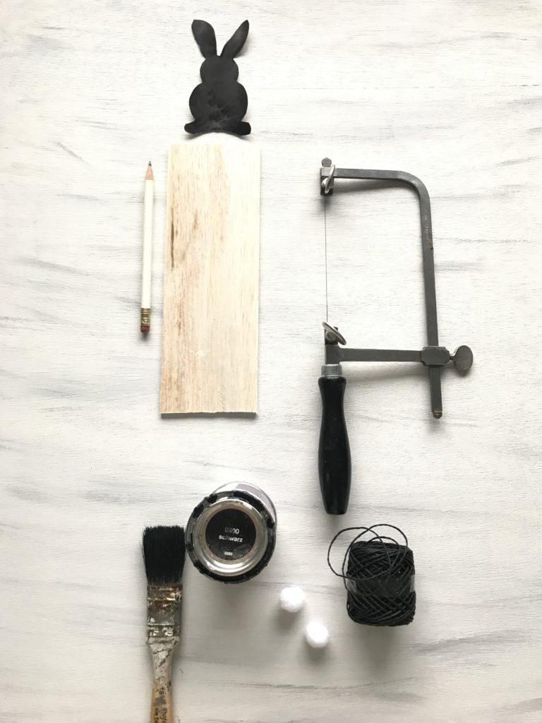 DIY- 10 einfache Oster-Ideen zum Selbermachen/ Chalet8/ DIY Blog/ Hasengirlande/ Osterdeko/ Oster DIY/ Osterhasen/ Ostern basteln/ Material/ Balsaholz