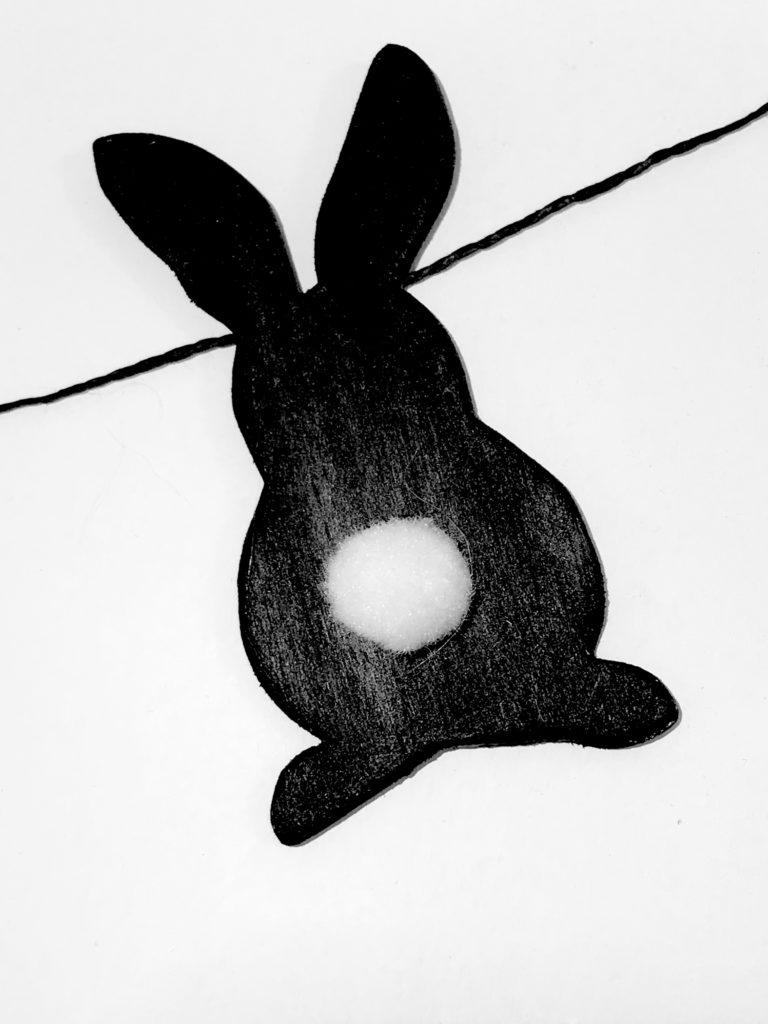 DIY- 10 einfache Oster-Ideen zum Selbermachen/ Chalet8/ DIY Blog/ Hasengirlande/ Osterdeko/ Oster DIY/ Osterhasen/ Ostern basteln/ Nahaufnahme