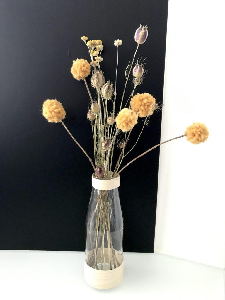Tolle Deko: Craspedia (Trommelschlägel Blumen) aus Wolle basteln. Trommelstöckchen, DIY, #Craspedia, #Chalet8.