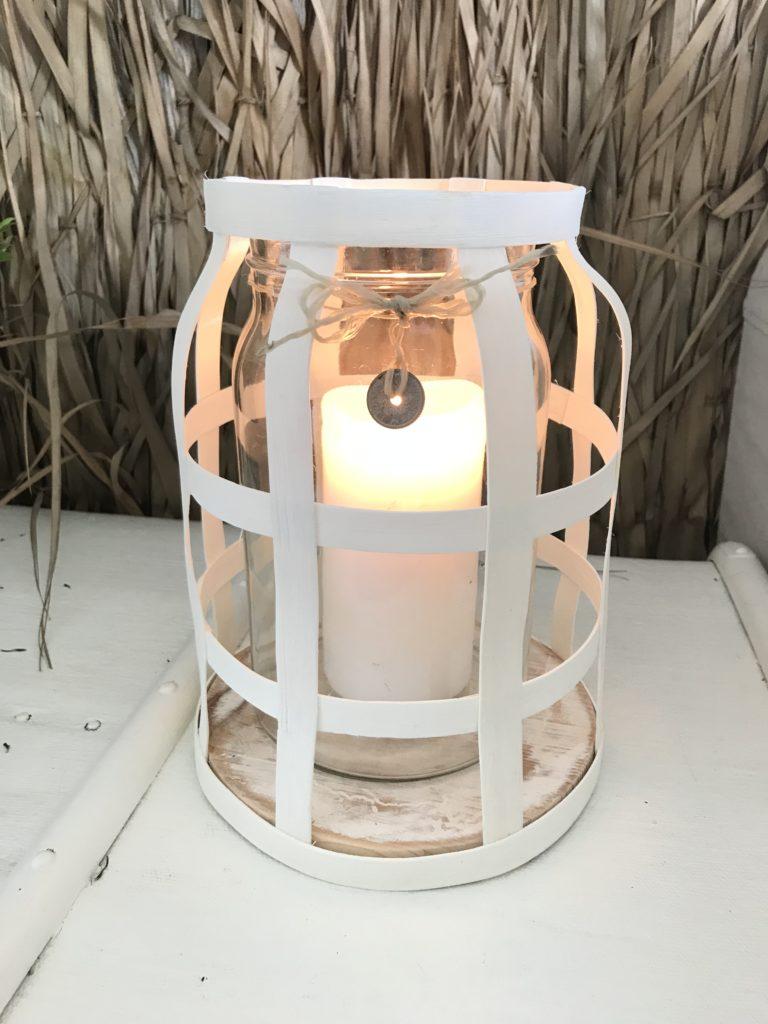 DIY: Großes Windlichtmit Holzsockel im Boho Stil basteln, #Chalet8, #Windlicht