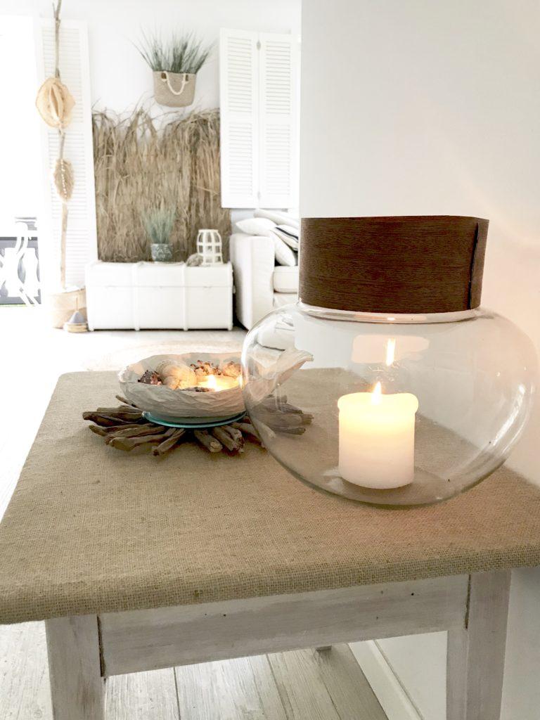 Möbel Upcycling Idee. Ein Kindertisch wird mit einem neuen Look zu einem Hingucker im Wohnzimmer. Upcycling das jeder nachmachen kann. Naturmaterial und Vinatage. #chalet8.