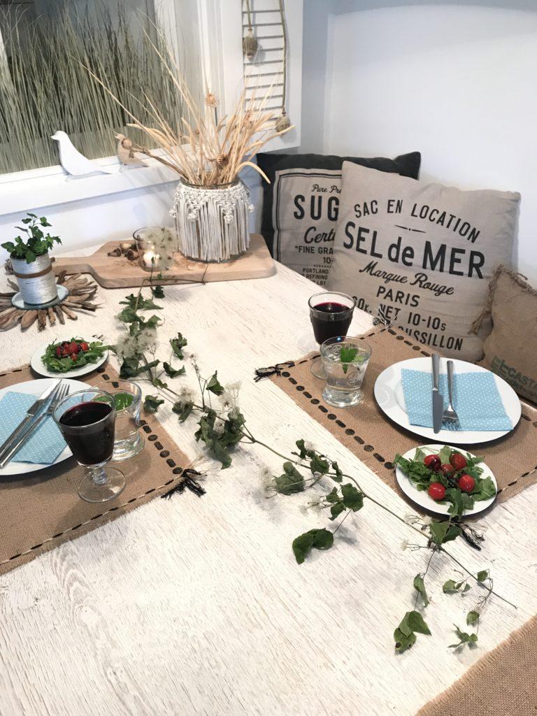 Tischset und Stempel selber machen. Stempel erstellen. DIY Stempel mit Klebepuffern basteln. Tischset selber machen und mit Stempeln pimpen #Chalet8 #Stempel #Tischset