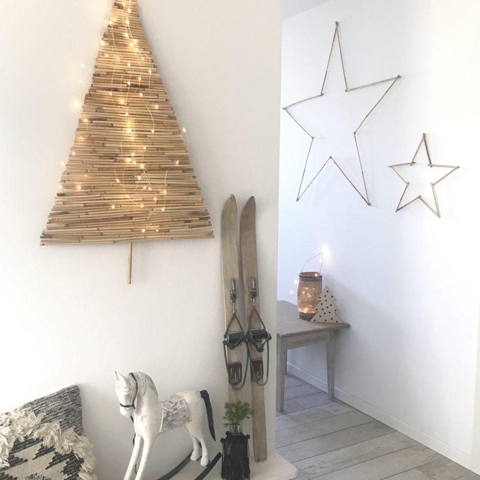 DIY: Alternativen Weihnachtsbaum basteln mit Bambus. Nachhaltiger Tannebaum an der Wand. Winterdeko mit Bambus. #chalet8, #bambus # Tannenbaum #Weihnachtsbaum #Weihnachtsdeko