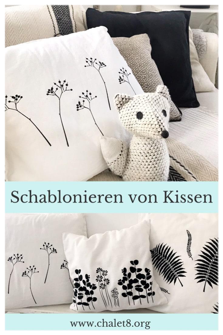 DIY Anleitung zum Schablonieren von Kissen mit vielen wertvollen Tipps zur Schablonenmethode. #chalet8 #Schablone #Schablonieren #Schablonenmethode #Kissen #DIY