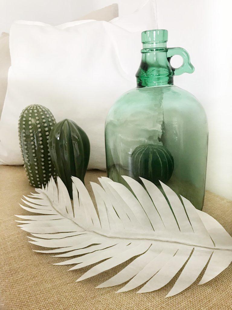 DIY Pflanze aus Papier basteln Palmenblatt aus Butterbrotpapier für den Urban Jungle #chalet8 #papierpflanze #papierdiy