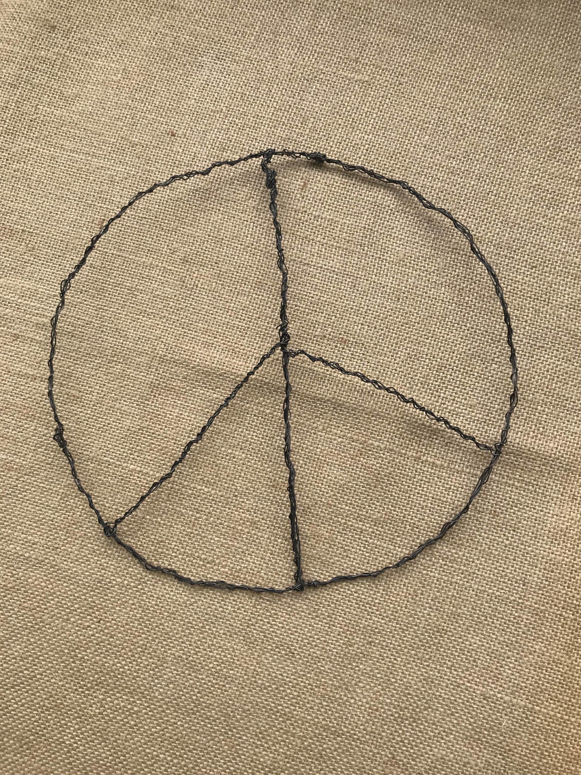 Flower Power Peacezeichen Kranz binden. #Chalet8 #Peacezeichen #Kranz