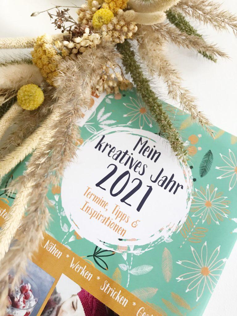 Mein kreatives Jahr 2021. Kreativ-Kalender mit Sandra Losch von Chalet8. #chalet8 #kreativbuch #kalender
